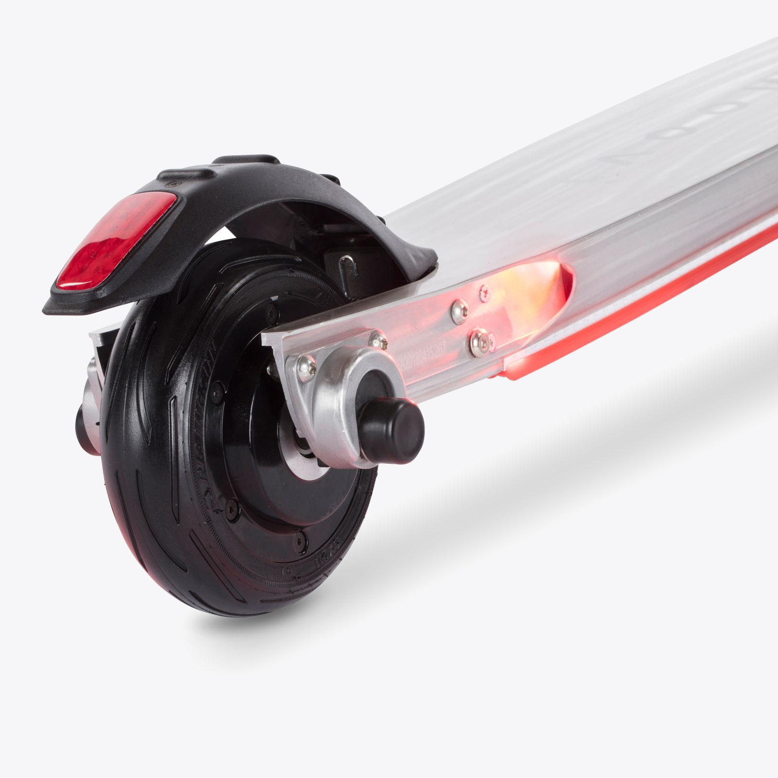 moovi-escooter-silber-led-ruecklicht