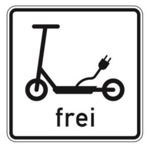 """Das Verkehrsschild """"E-Scooter frei"""" zeigt an, wo E-Scooter gefahren werden dürfen"""