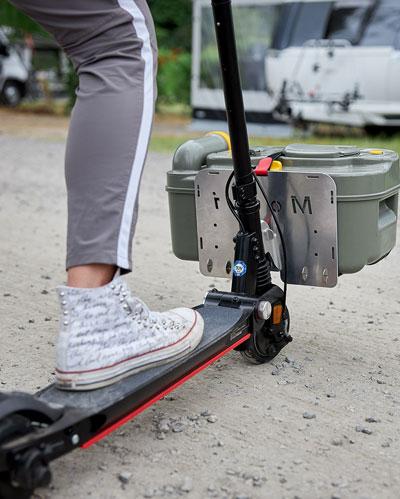 Der Moovi E-Scooter ist vielseitig einsetzbar auf dem Campingplatz und unterwegs