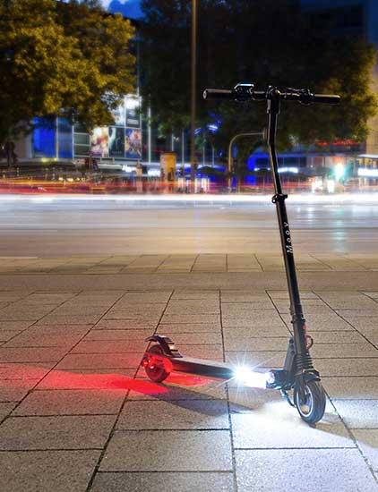 moovi e scooter at night